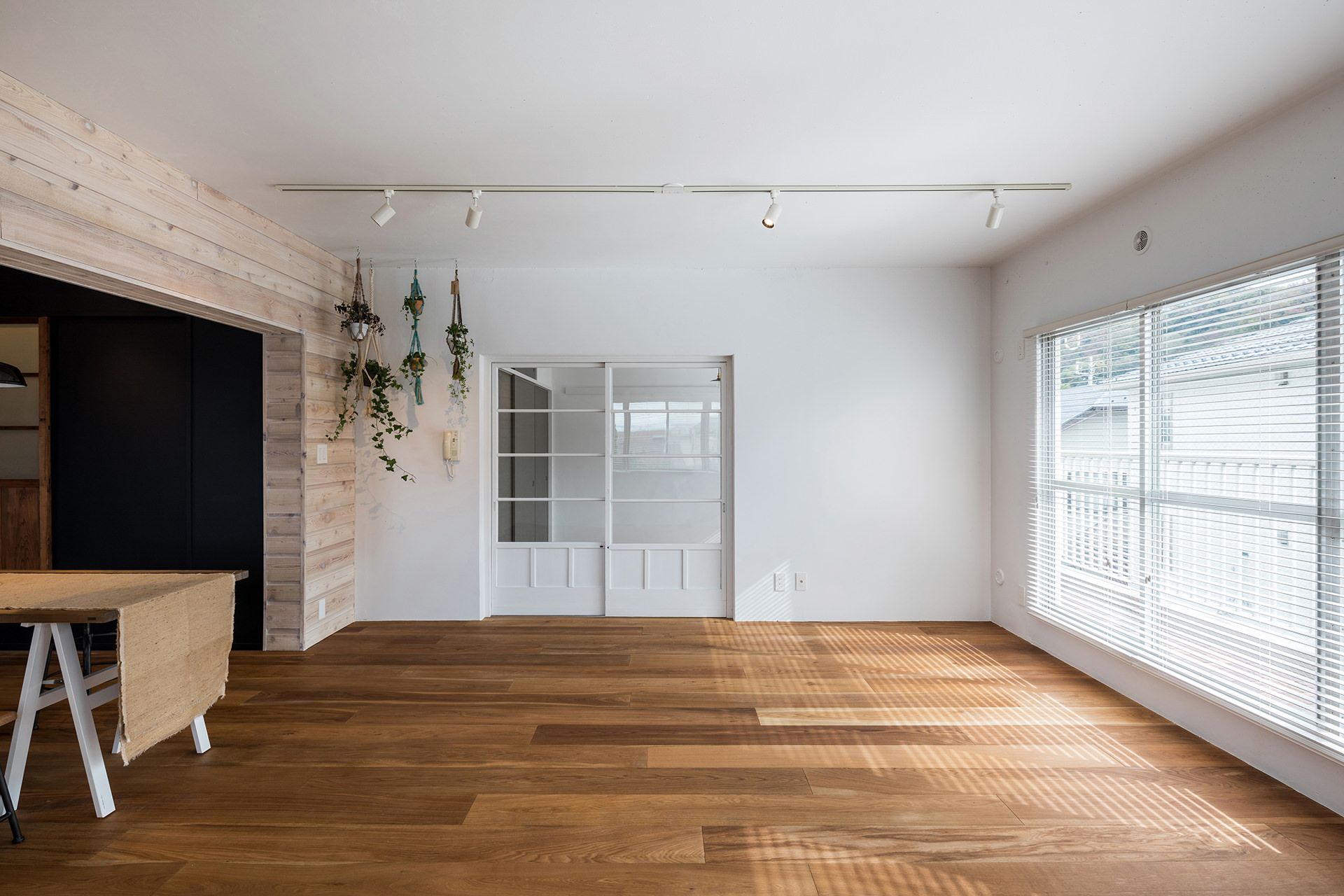 「stri-ep house flat ジュネス葉山一色ガーデン」  イメージ09 撮影:東涌宏和