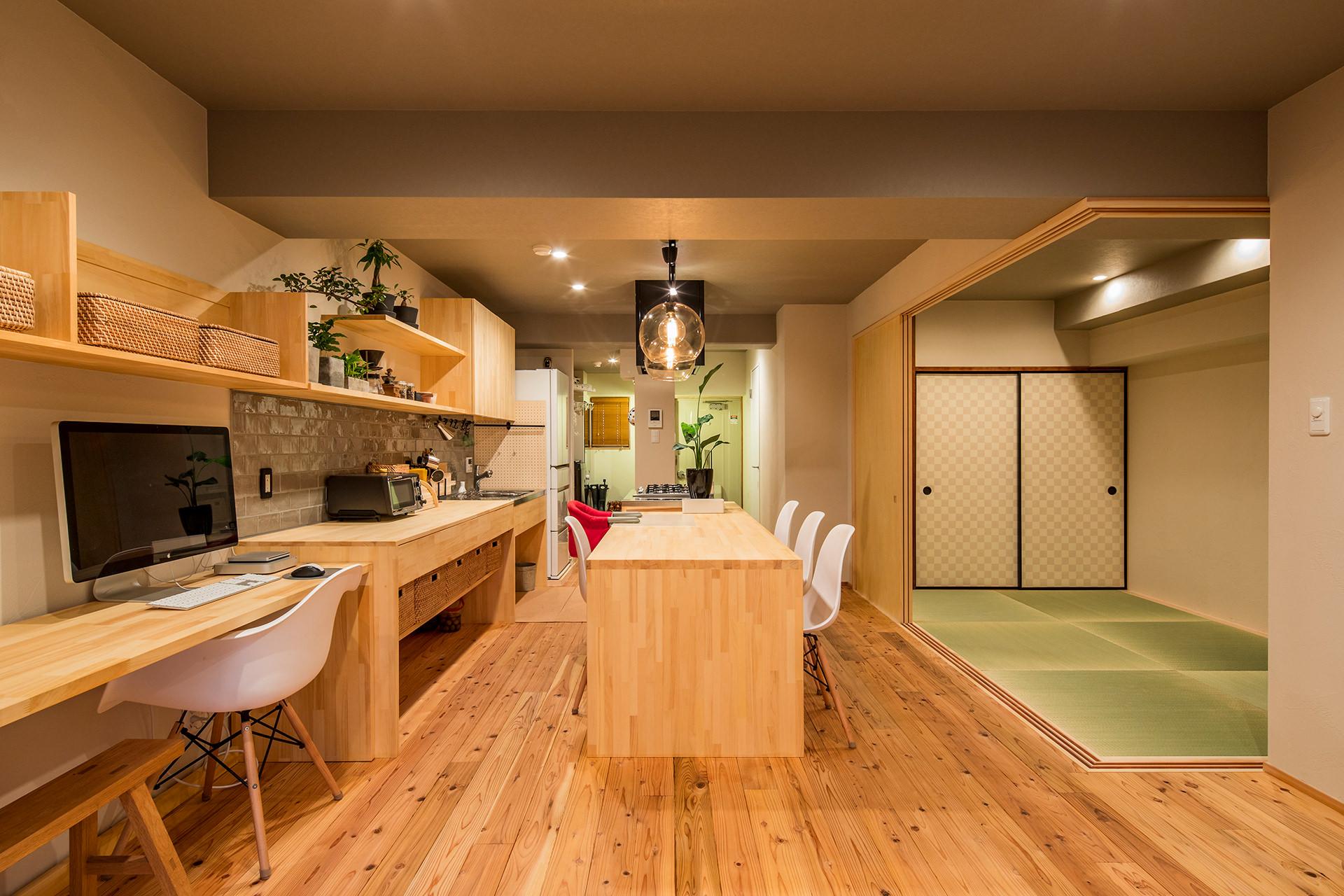 「アイランドキッチンと広々LDKの暮らしを愉しむ家」イメージ03 撮影:東涌宏和