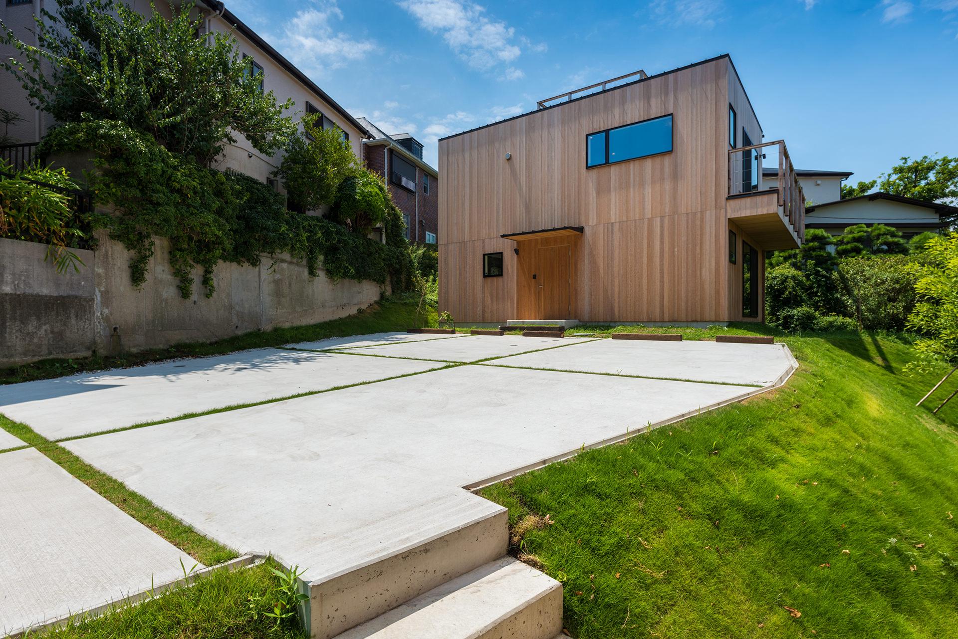 水平線が見える芝生の家 イメージ01 撮影:東涌宏和