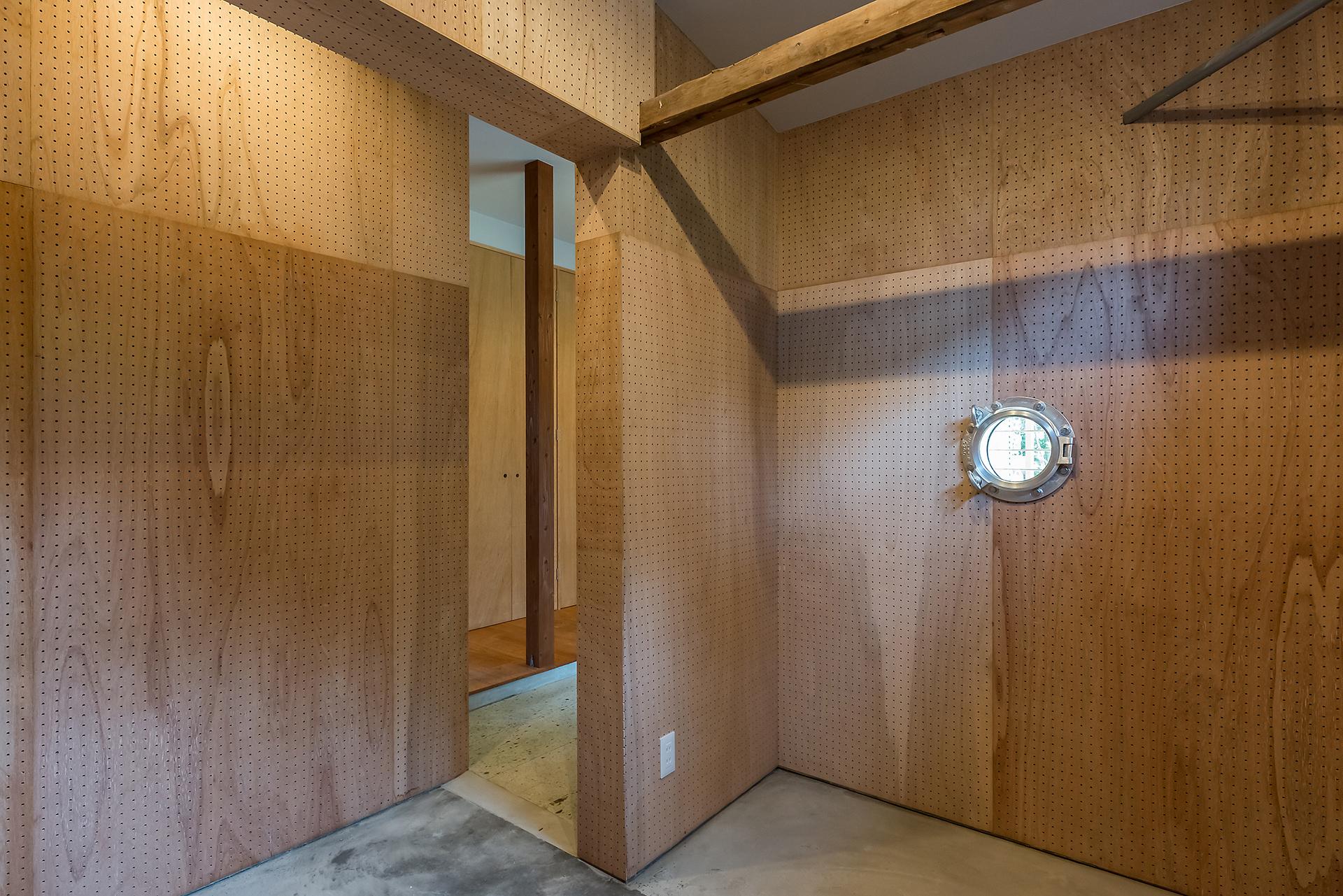 小屋と吹き抜けのある家 イメージ08 撮影:東涌宏和